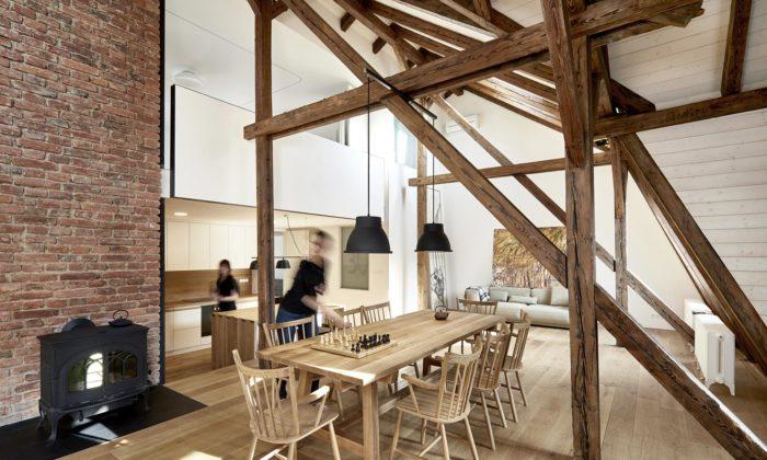 Půdní byt naVinohradech vznikl vestavbou přirekonstrukci secesního domu