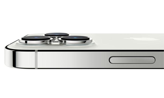 Apple představil iPhone13 asuper výkonný iPhone13 Pro srevolučním foťákem