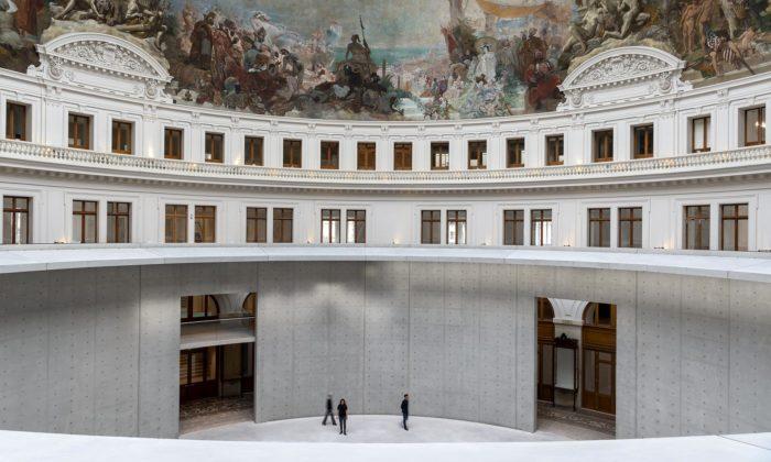 Tadao Ando přestavěl pařížskou Bourse de Commerce zroku 1767 namuzeum umění