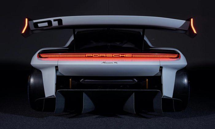 Porsche Mission R jezávodní střela sperfektním aerodynamickým designem