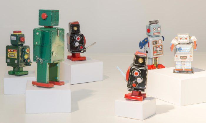 Německo uspořádalo výstavu odesignu robotů odplechových hraček povelké stroje