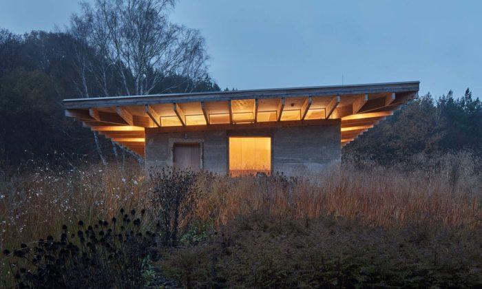Na moravské vrchovině Chřiby si postavili rodinný dům zkonopného betonu