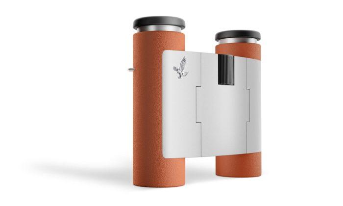 Marc Newson navrhl pro Swarovski Optik minimalistický kapesní dalekohled