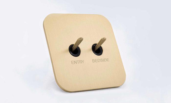 Marc Newson navrhl pro Meljac kovové vypínače stechnicistním designem