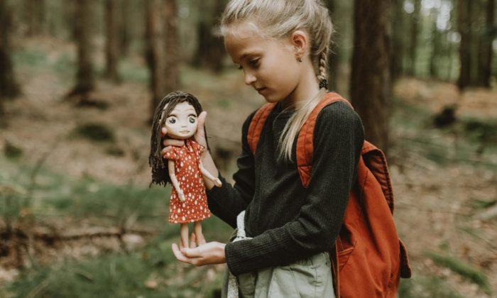 Česká značka ZOE8 přichází sekologickou dřevěnou panenkou Zoe