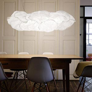 Svítící mrak Cloud XL od Franka Gehryho