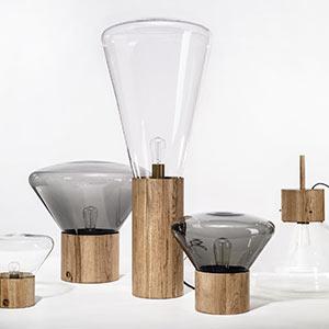Kolekce českých svítidel ze skla a dřeva Muffins