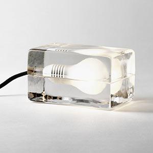 Ikonická skleněná stolní lampa Block Lamp